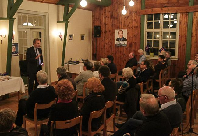 Dansk Folkeparti´s Peter Skaarup besøger Fanefjord Skovpavillon