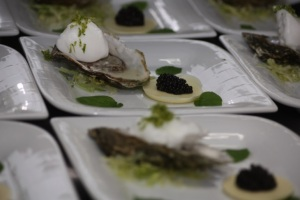 øster med hvid chokoladeoblat